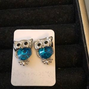 Jewelry - 🆕Everyone Needs A Owl In Their Life
